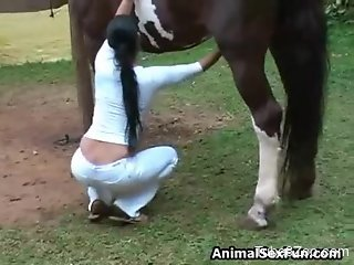Ponytailed babe wants that stallion cock real bad